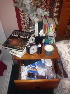 What does my bedside table say